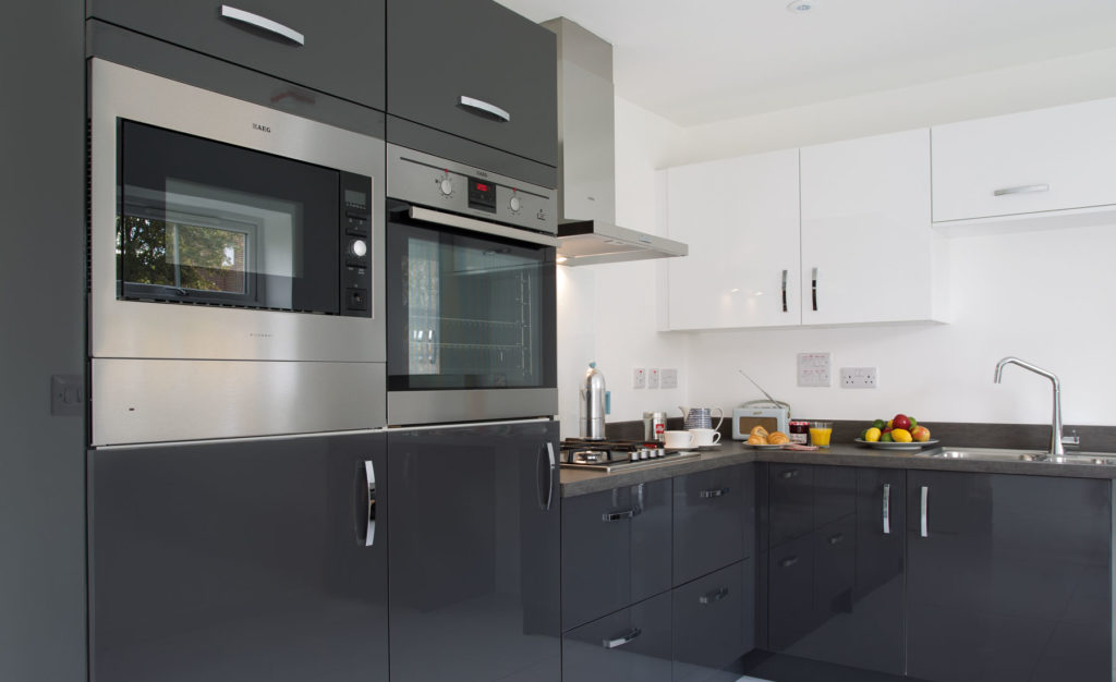 HENLEY-BLACK-KITCHEN